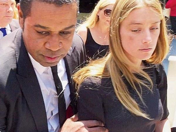 Лили-Роуз Депп защищает обвиненного вдомашнем насилии отца