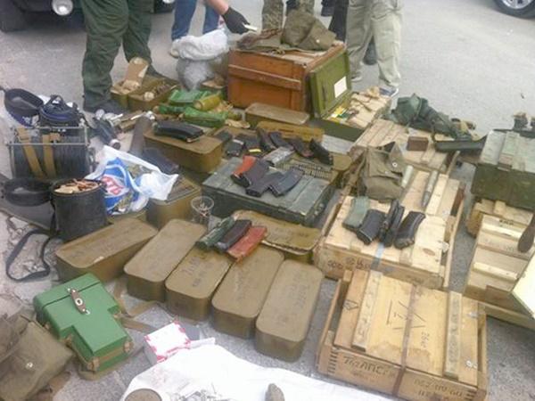 Понаводке «ювелирной» банды отыскали арсенал— подозревают самооборону