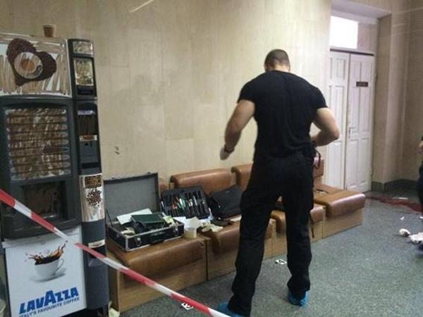 Вкиевской клинике неизвестный застрелил человека