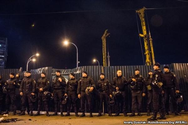 Кличко: На «Героев Днепра» продолжаются работы поукреплению станции метро