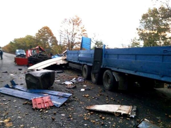 НаОдесчине лобовое столкновение грузовиков: есть жертвы