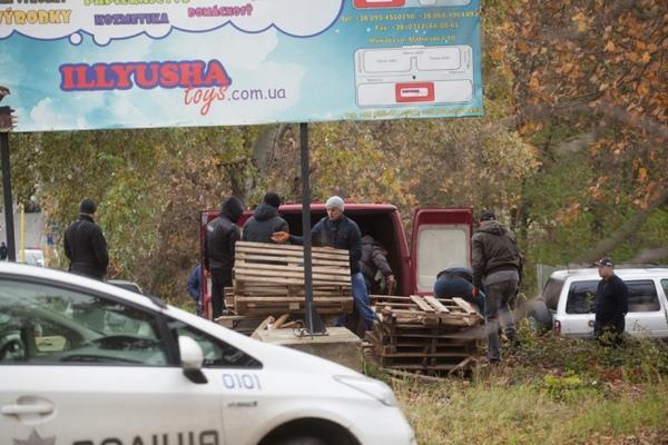 Владельцы автомобилей блокируют границу сРумынией иСловакией