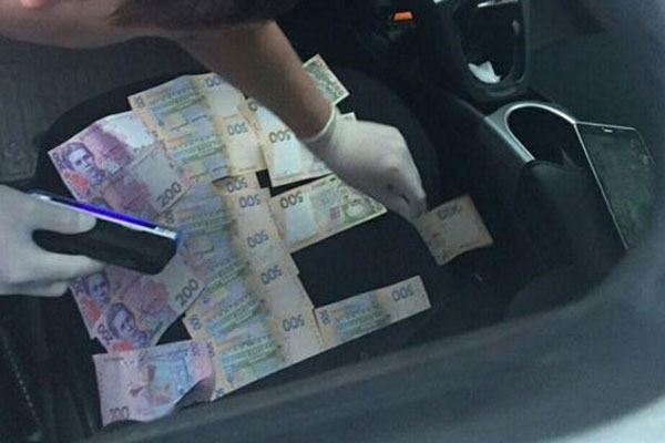 НаЧерниговщине задержали полицейских, которые добивались взятку запьяное вождение