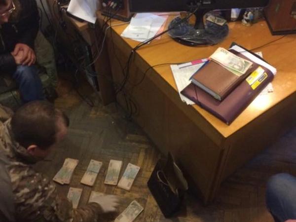 ВОдессе депутата Минобороны задержали завзятку в350 тыс. грн,— Матиос