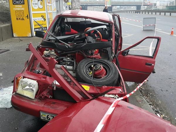Очередное  смертельное ДТП встолице: Снова умер  пассажир