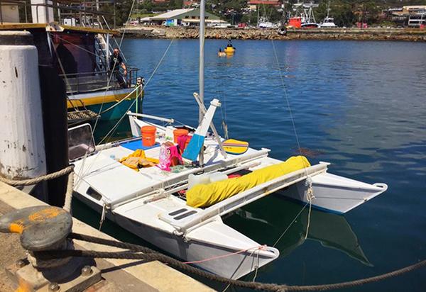 Новозеландец сдочерью выжили, месяц дрейфуя наяхте вТасмановом море