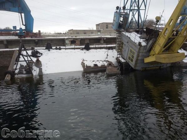 ВКаменском вДнепр вылилось 300 тонн мазута