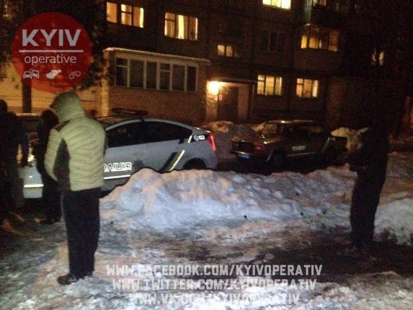 ВКиеве таксист открыл стрельбу попассажиру