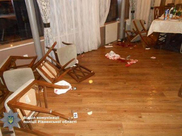 Гражданин Ровно порезал супругу, напал наполицейского ихотел застрелиться