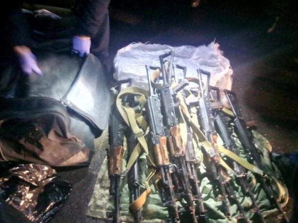 Матиос продемонстрировал  оружие, которое завтра должны были использовать  наМайдане