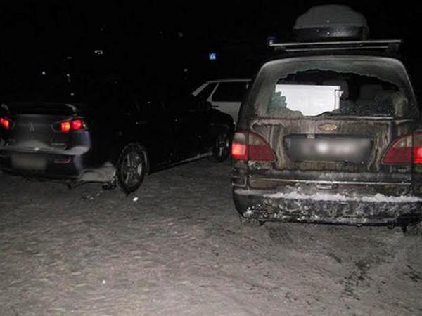 НаХмельнитчине молодые парни ради веселья расстреляли легковую машину