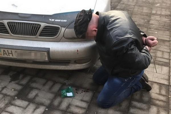 ВСлавянске «взяли» банду рэкетиров— Лицом васфальт