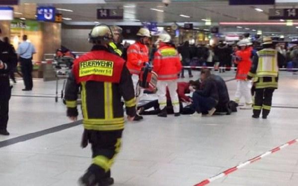 Человек с тесаком устроил кровавую бойню навокзале вДюссельдорфе