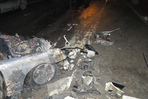 ВКиеве автомобиль зажегся вместе слюдьми— Адское ДТП