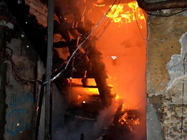 Мощный пожар вОдессе: сегодня горел дом