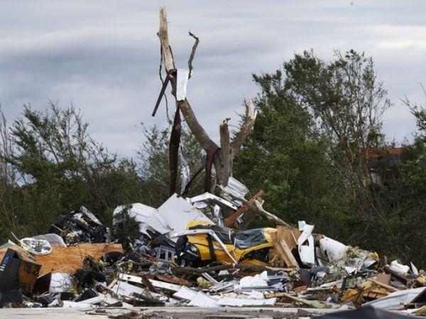14 человек стали жертвами торнадо инаводнений вСША