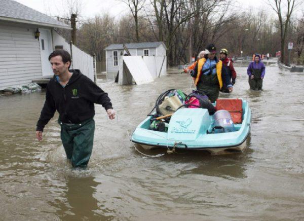 Неменее 2 000 граждан Канады эвакуированы из-за половодья