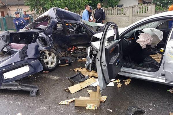 В кошмарной трагедии умер украинский футболист: размещены фото сместа ДТП