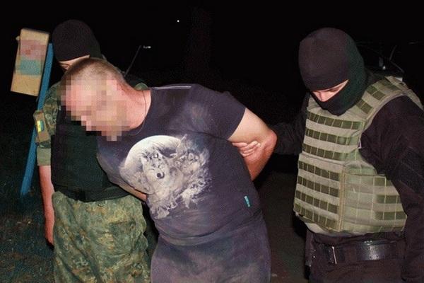 На Луганщине полицейские предотвратили заказное убийство ...: http://fakty.ua/240977-na-lugancshine-policejskie-predotvratili-zakaznoe-ubijstvo-foto