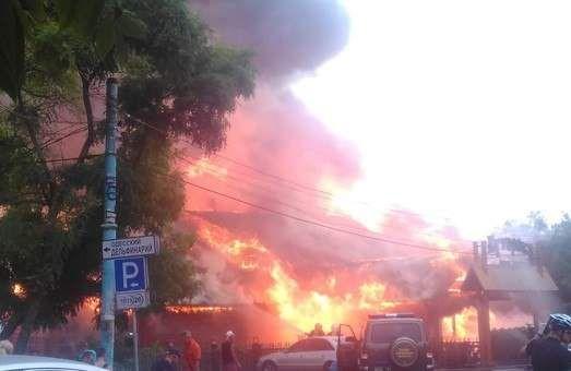 На береге вОдессе сгорел ресторан