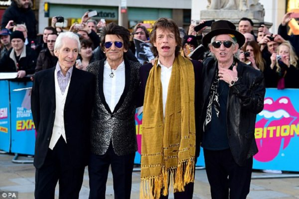 Угитариста The Rolling Stones Вуда весной  обнаружили рак легких