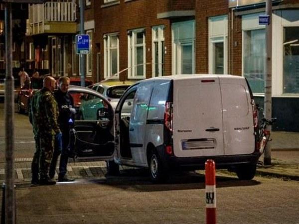 Посетители рок-концерта вРоттердаме эвакуированы из-за угрозы терроризма