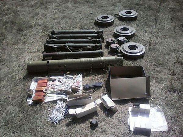 НаДонетчине обнаружили арсенал оружия русского производства