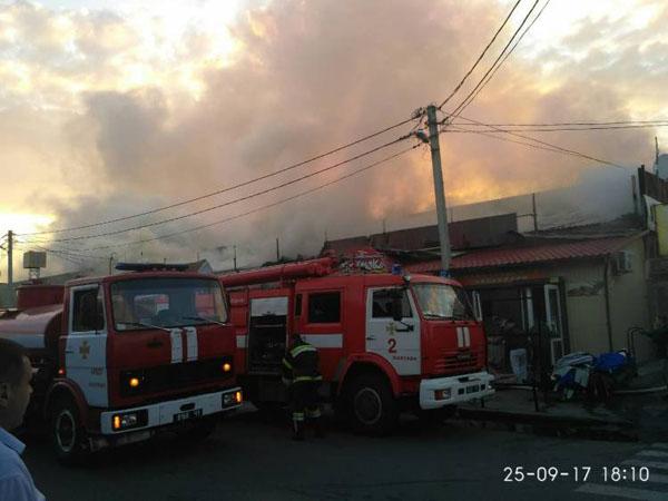 ВПолтаве сверепый пожар охватил центральный рынок