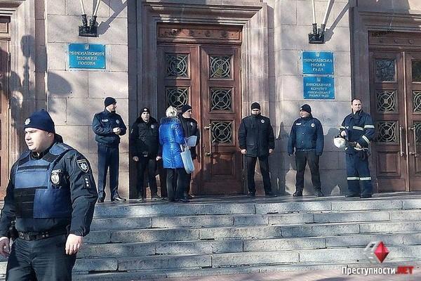 ВНиколаеве сторонники экс-мэра Сенкевича заблокировали трибуну горсовета