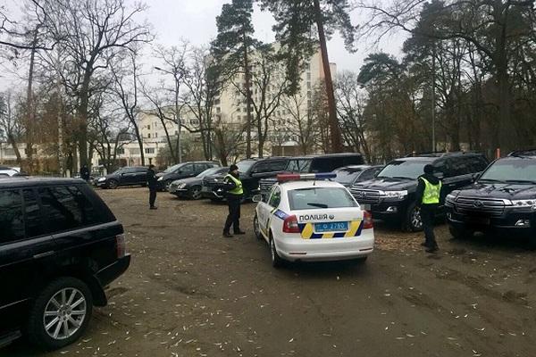 Вэлитном ресторане столицы Украины полицейские задержали 60 участников криминальной сходки