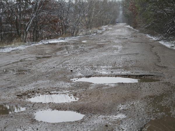 На Киевщине жители одного из сел перекрыли дорогу, фото-3