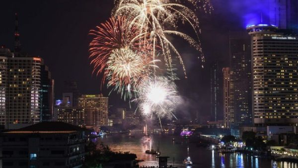 Дубай установил рекорд посамому масштабному лазерному шоу