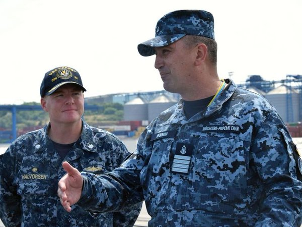 Американский эсминец сракетами Tomahawk пришел вОдессу