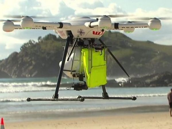 ВАвстралии дрон спас тонувших молодых людей