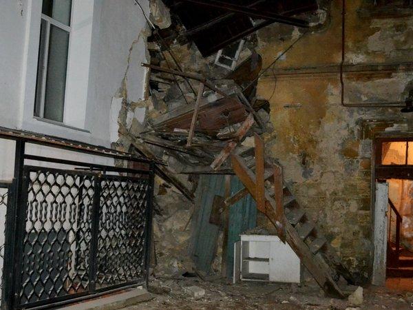 Вцентре Одессы рухнула стена жилого дома