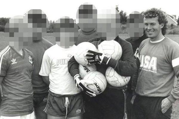 Британский тренер приговорен к31 году заключения зарастление малолетних