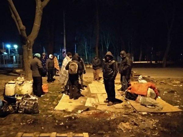 ВОдессе ночью молодчики избили бездомных иразнесли пункт обогрева