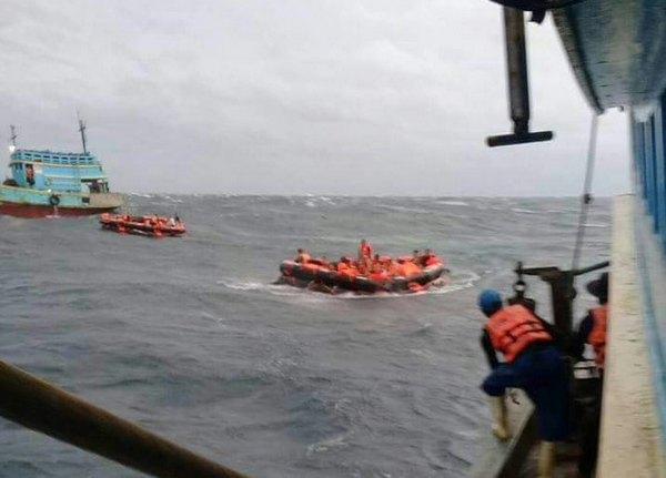 В Таиланде попали в шторм и утонули катера с иностранными туристами
