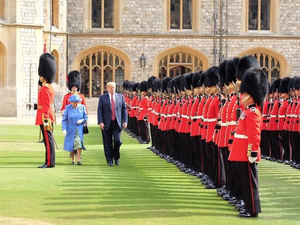 Дональд Трамп впервые встретился с британской королевой