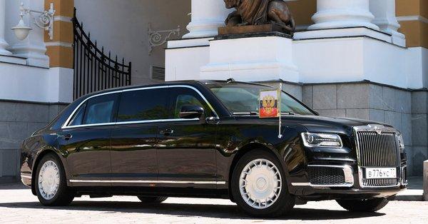 Путин приехал на переговоры с Трампом на «шедевре» российского автопрома