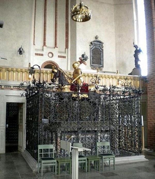 Похищены бесценные реликвии шведской королевской семьи