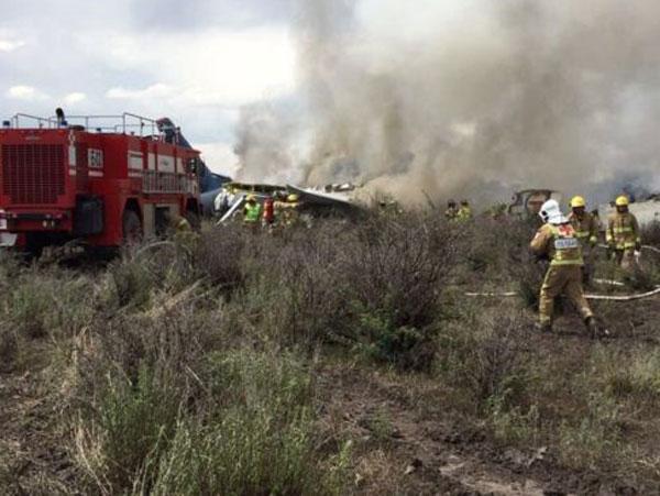 В Мексике после взлета разбился пассажирский самолет