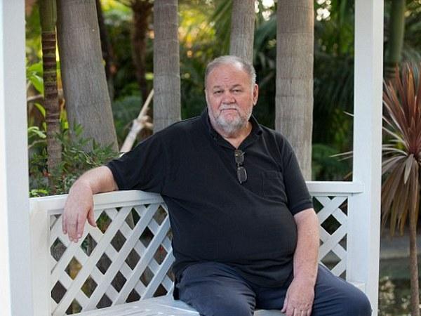 Томас Маркл швырнул телефонную трубку, не дослушав «грубого» Гарри, Меган в ярости из-за «крокодиловых слез» отца