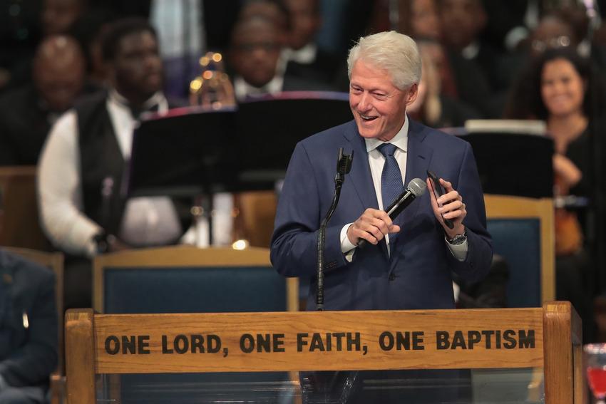 Билл Клинтон «уронил челюсть» отвыступления молодой эстрадной певицы