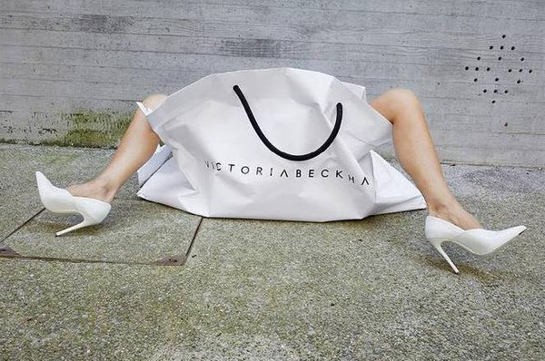 44-летняя Виктория Бекхэм восхитила растяжкой