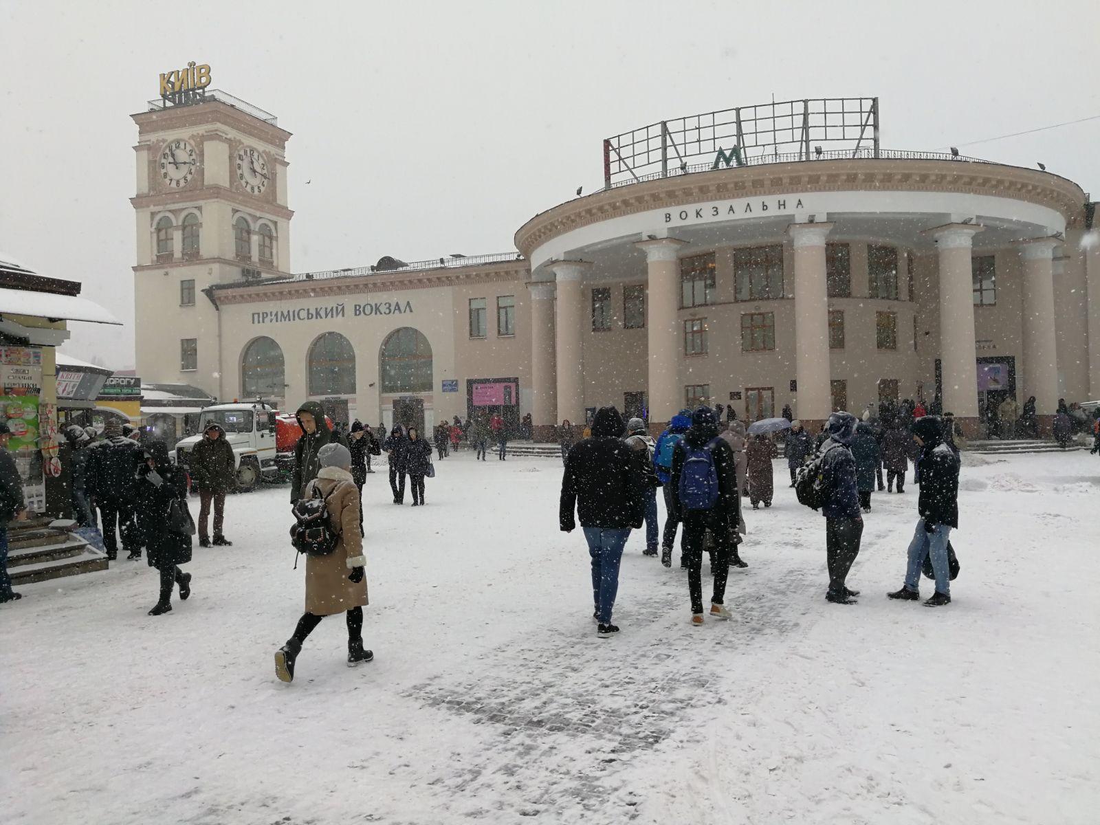 "Украинцы готовы мерзнуть в поездах, лишь бы было тихо, — ""главный пассажир ""Укрзалізниці"""