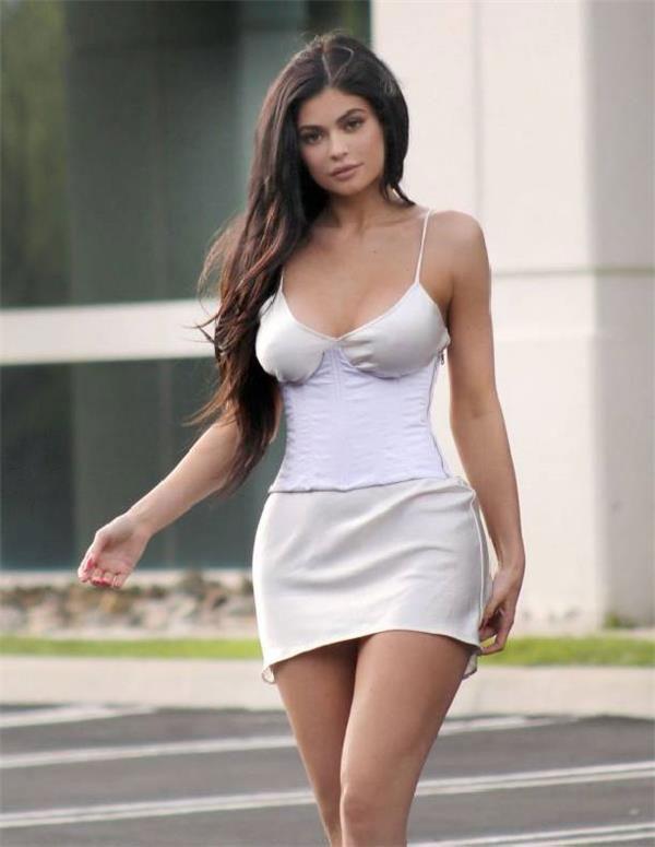 d8c36699ff4 Новости мира — Женщины в мини-юбке имеют больше шансов на карьерный ...