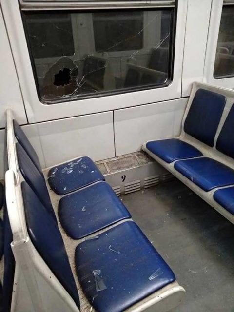 В Днипре вандалы разгромили вагон. Фото: Наше місто