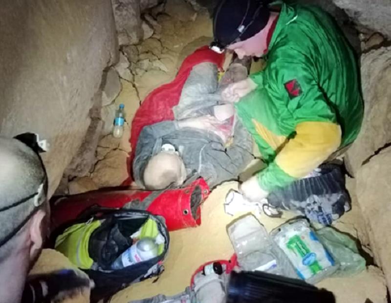 Под Одессой спасли мужчину, который не мог выбраться из катакомб