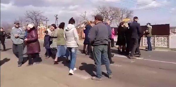 После очередного смертельного ДТП люди перекрыли трассу под Одессой